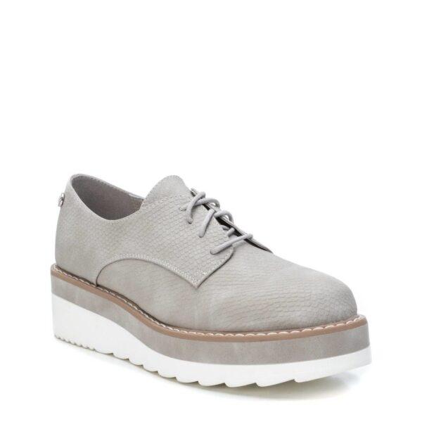 lace-up-shoe