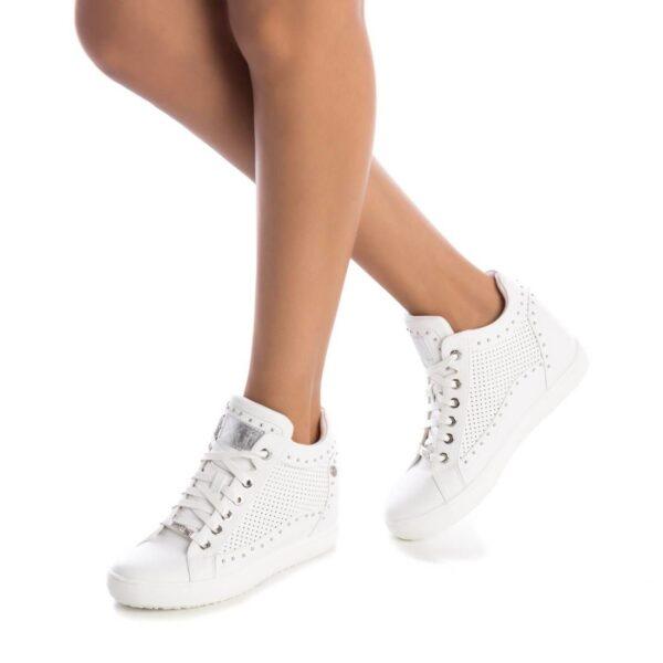 heeled-trainer